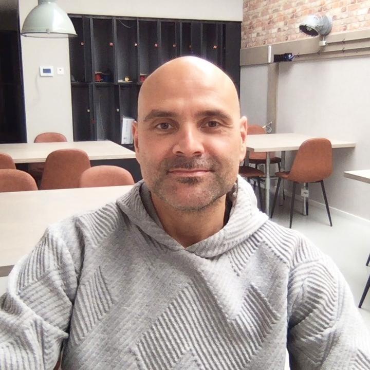 Jamie Simon (41) huurt een Flexplek bij webshoplocatie