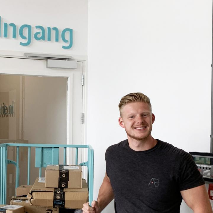 webshop ondernemer Tim de Leede bij Webshoplocatie
